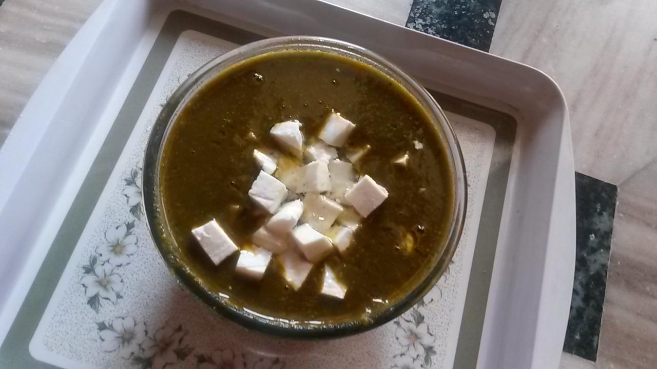 Healthy and easy to make veg palak paneer recipe
